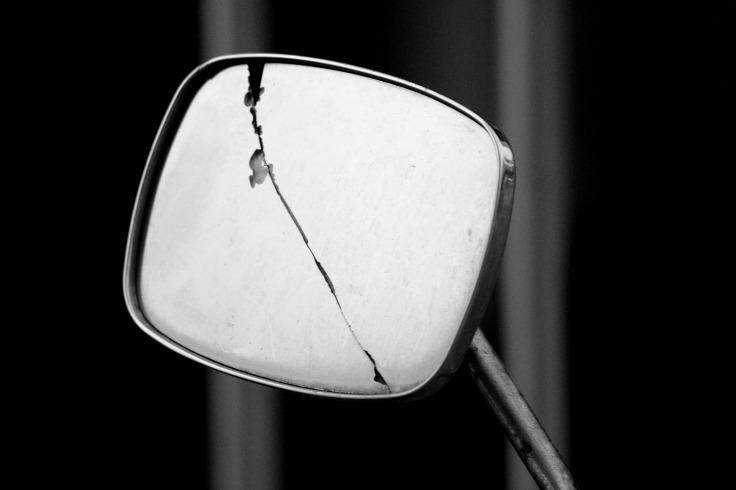 mirror-748171_1920
